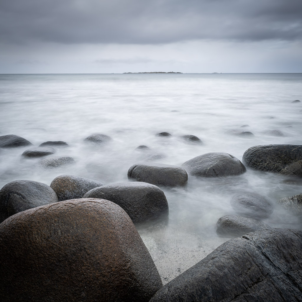 rocks - beach - compare syndrome - - uttakleiv - lofoten - norway - landscape photography - travel photography - CreArtPhoto