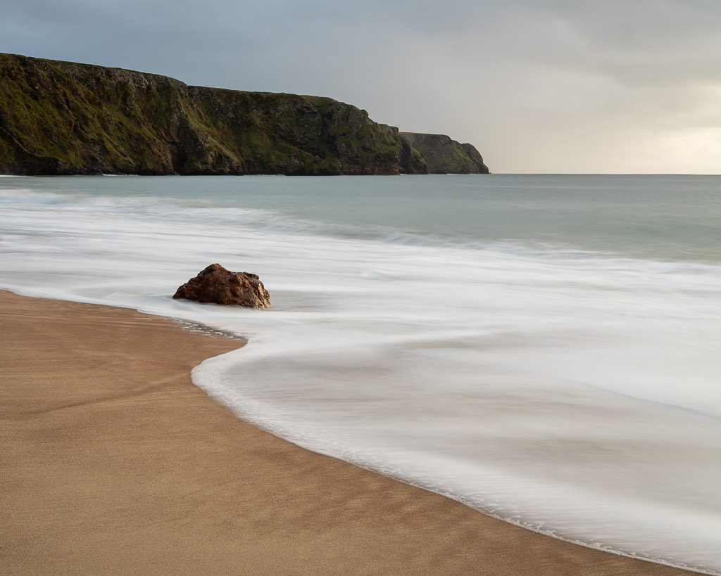 beach - rock - sea - waves - lewis - Scotland - sunrise - landscape photography - travel photography - sony - zeiss lenses - CreArtPhoto